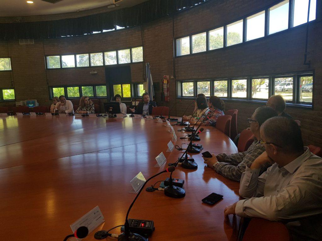Reunión del proyecto ACAI-LA en la sala de consejo de la Universidad Nacional de Córdoba